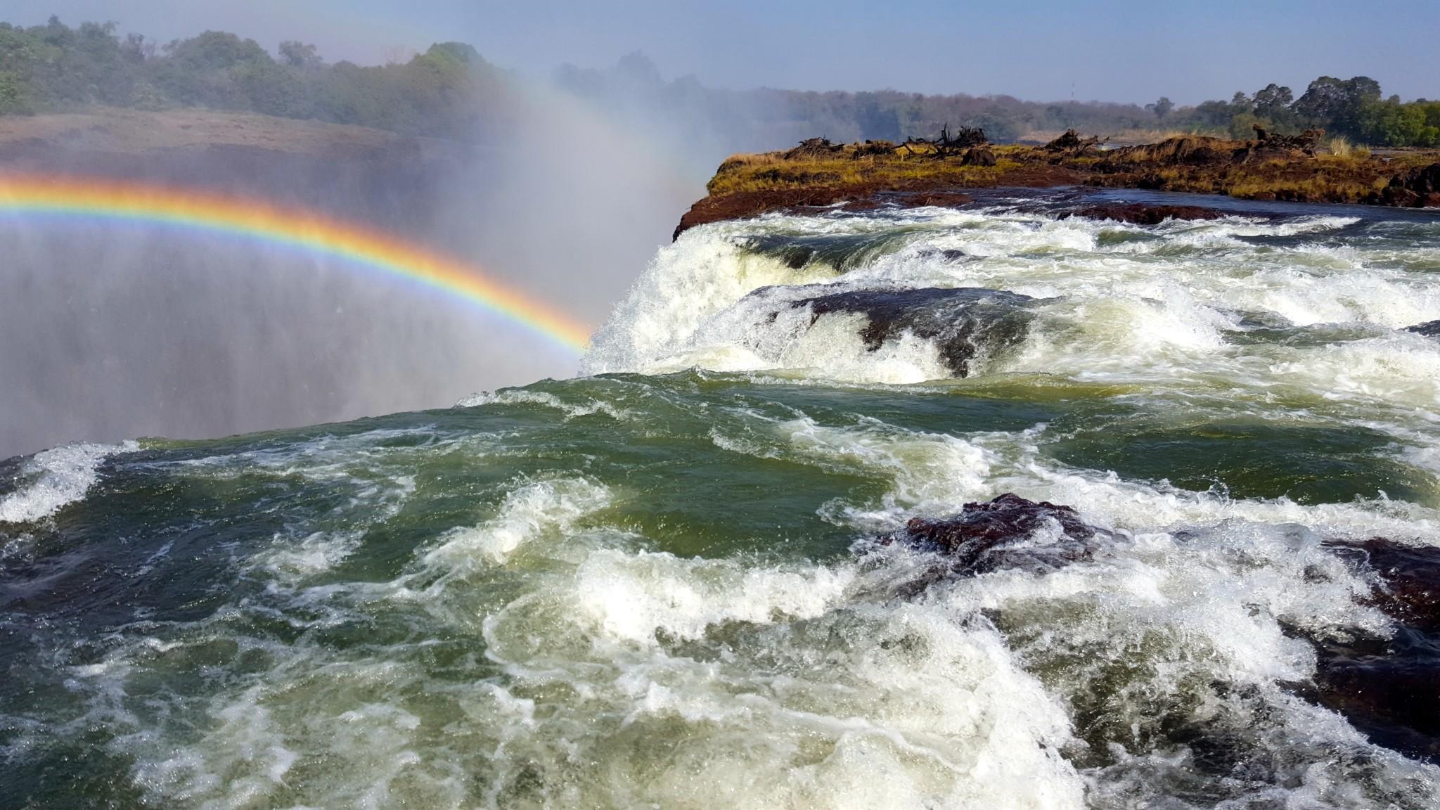 Devils Pool At Victoria Falls, Zambia - InspirationSeek.com