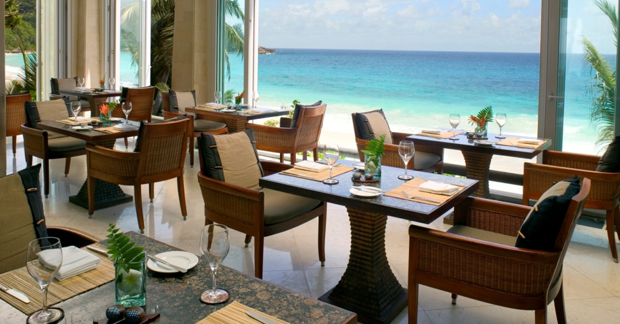Click to enlarge image BT-seychelles-gallery-hotel-au-jardin-depices-1280x670.jpg