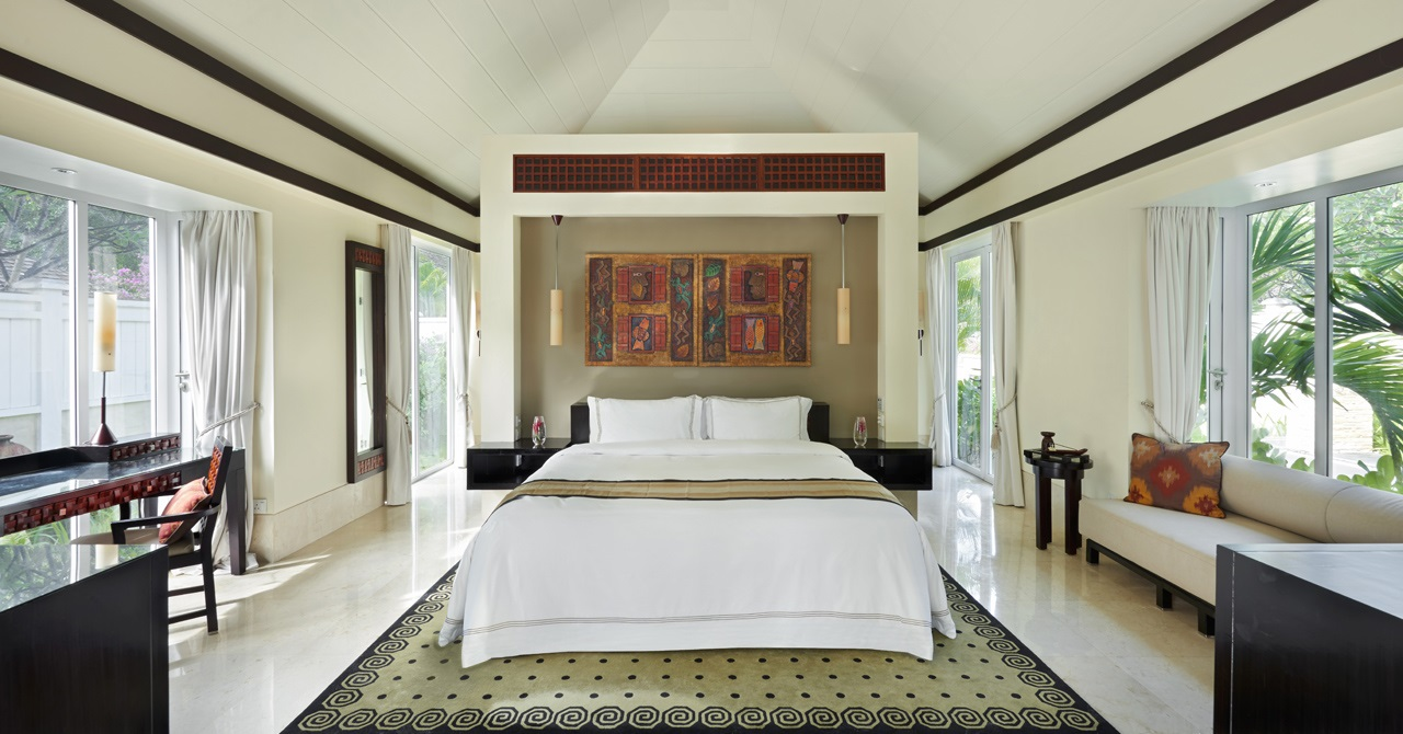 Click to enlarge image BT-seychelles-gallery-hotel-beachfront-pool-villa-bedroom-1280x670.jpg